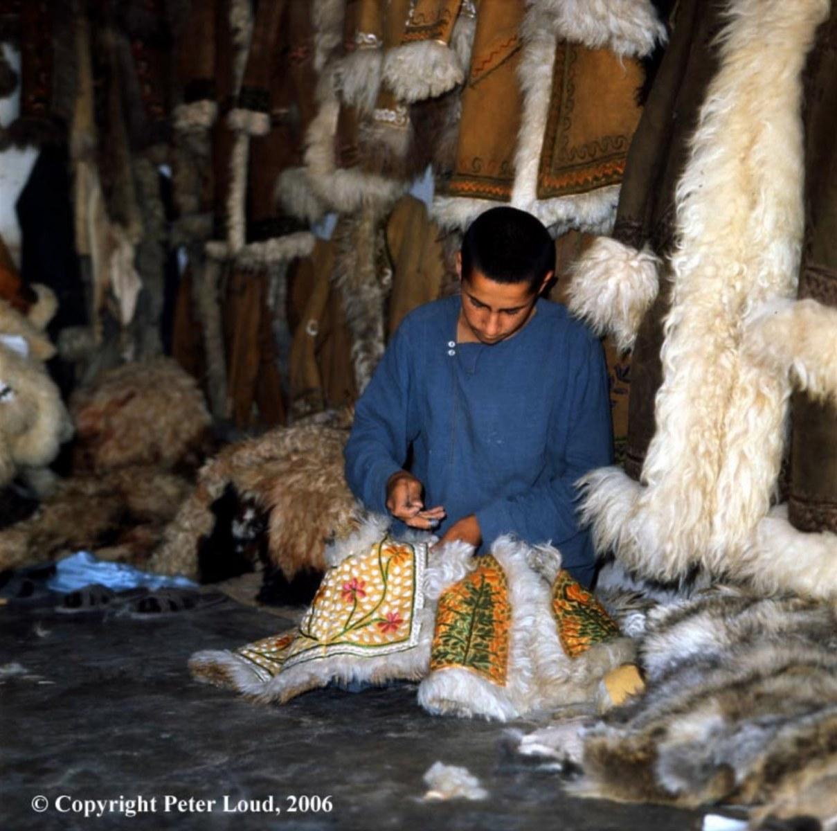 peter_loud_Afghan_Coat_Shop_1974_02