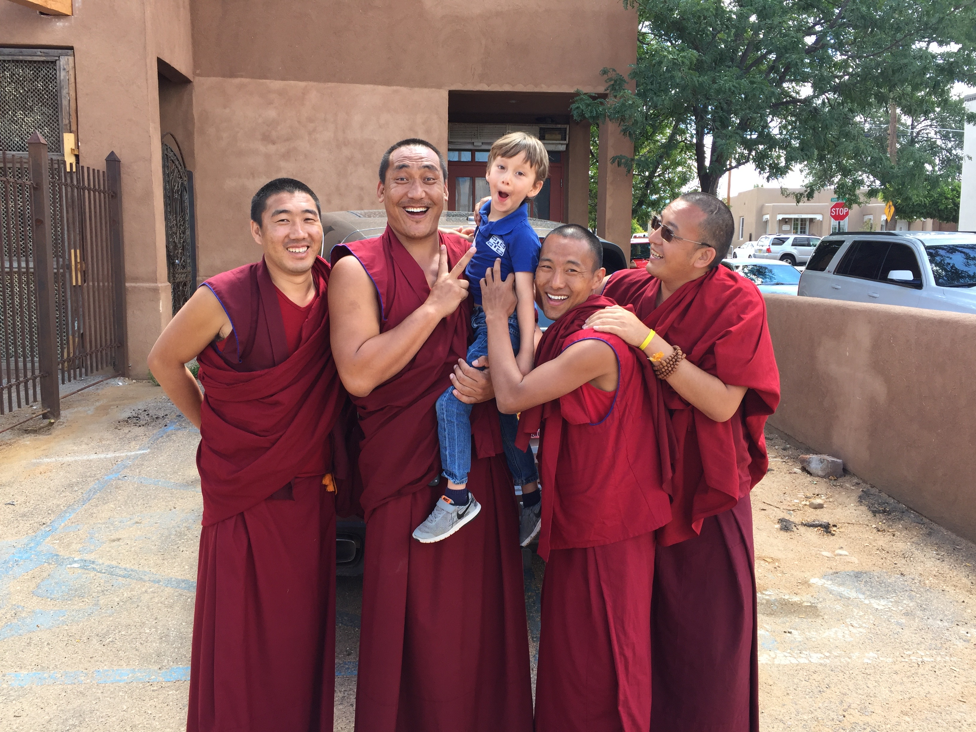 The monks of the Drepung Loseling Monastery posing with Kieran Seret